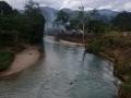 Malownicze rzeki z wodą koloru niebieskiego